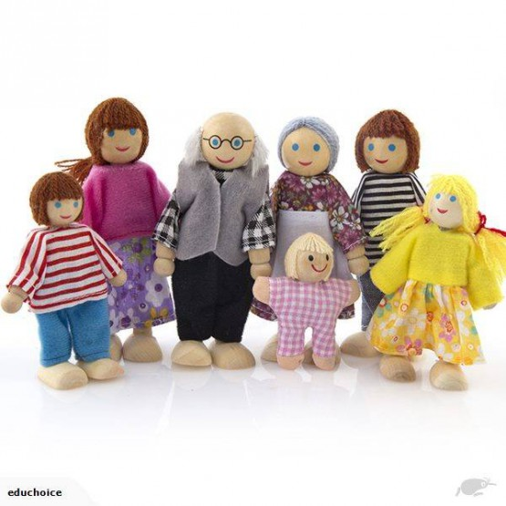 Wooden family doll set including 7 wooden dolls